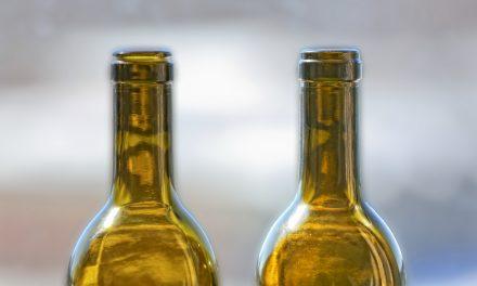 Brandeis Professor Invents Drip-Proof Bottle